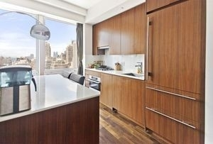 3 Bedrooms, Garment District Rental in NYC for $5,205 - Photo 2