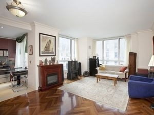 3 Bedrooms, Turtle Bay Rental in NYC for $5,205 - Photo 2