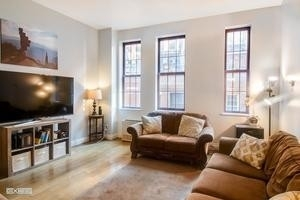 3 Bedrooms, Financial District Rental in NYC for $5,300 - Photo 1