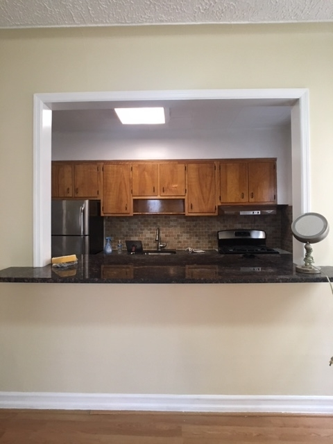 2 Bedrooms, Steinway Rental in NYC for $2,650 - Photo 2