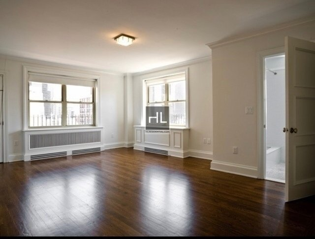 3 Bedrooms, Murray Hill Rental in NYC for $18,329 - Photo 1