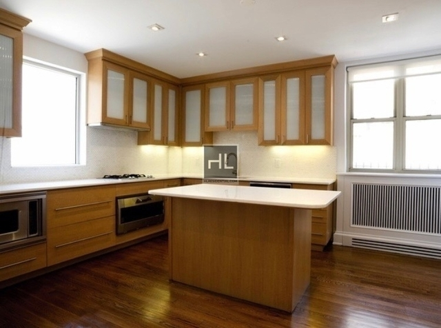 3 Bedrooms, Murray Hill Rental in NYC for $18,329 - Photo 2