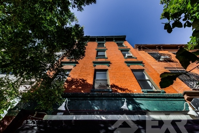 2 Bedrooms, Williamsburg Rental in NYC for $3,799 - Photo 2