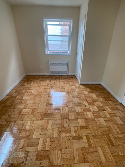 2 Bedrooms, Murray Hill, Queens Rental in NYC for $2,350 - Photo 2