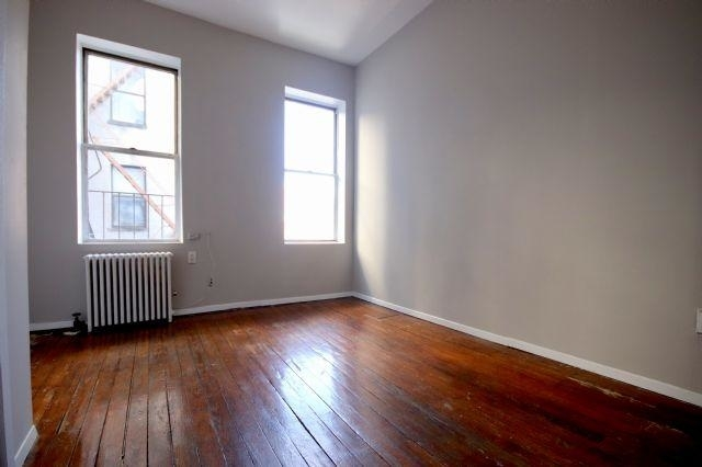 2 Bedrooms, Alphabet City Rental in NYC for $2,290 - Photo 2