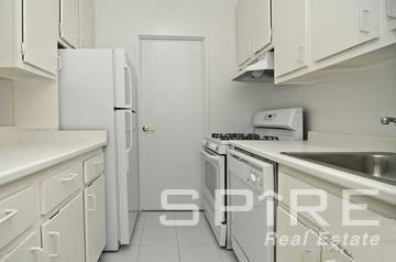 3 Bedrooms, Upper East Side Rental in NYC for $4,821 - Photo 2