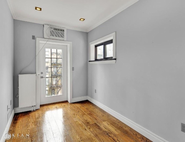 3 Bedrooms, East Village Rental in NYC for $5,990 - Photo 2