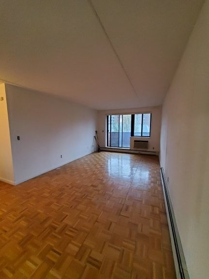 1 Bedroom, Rego Park Rental in NYC for $1,819 - Photo 2