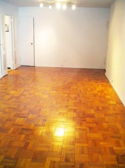 1 Bedroom, Turtle Bay Rental in NYC for $2,450 - Photo 2