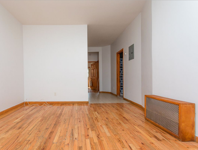 3 Bedrooms, Ridgewood Rental in NYC for $2,899 - Photo 2