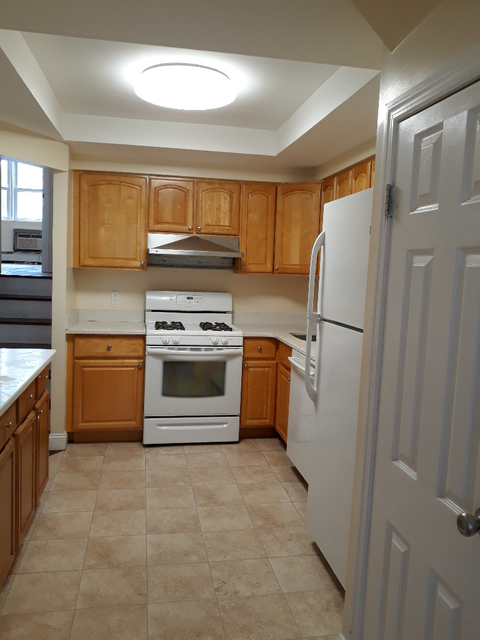 3 Bedrooms, Bath Beach Rental in NYC for $2,200 - Photo 2