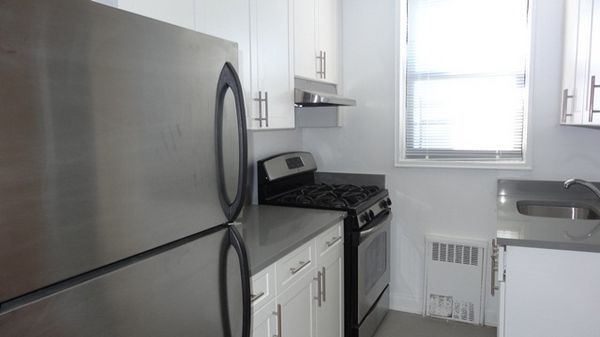1 Bedroom, Sunnyside Rental in NYC for $2,207 - Photo 1
