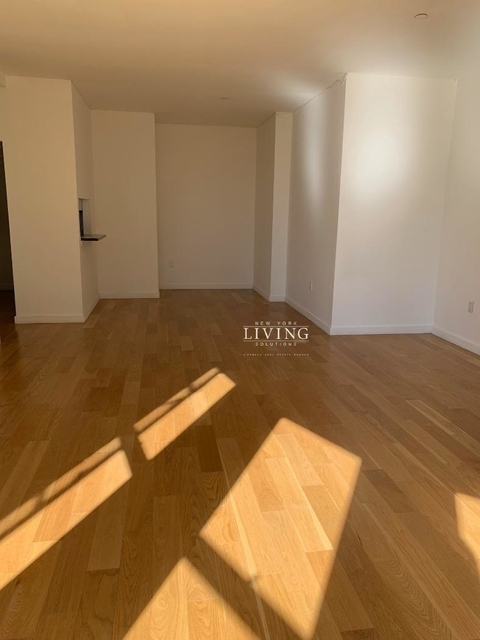 Studio, Financial District Rental in NYC for $4,250 - Photo 2