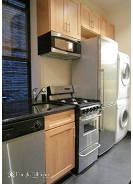 4 Bedrooms, East Village Rental in NYC for $6,595 - Photo 1