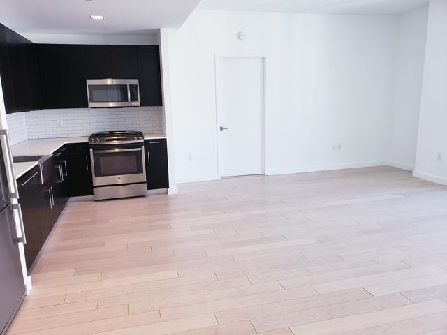 2 Bedrooms, Hell's Kitchen Rental in NYC for $5,998 - Photo 1