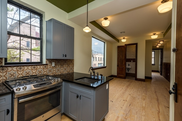 3 Bedrooms, Williamsburg Rental in NYC for $4,200 - Photo 2