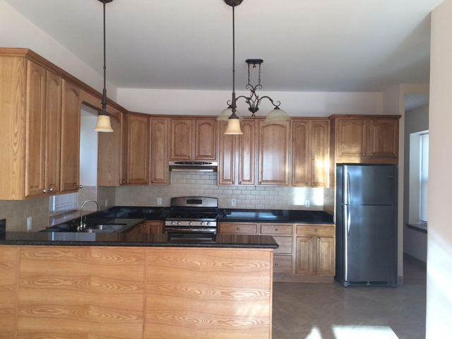 3 Bedrooms, Bay Ridge Rental in NYC for $2,600 - Photo 1