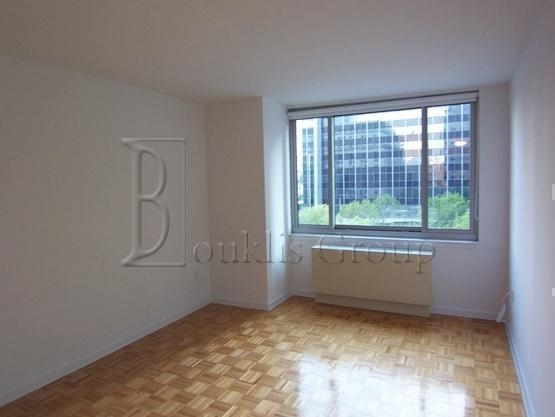 1 Bedroom, Civic Center Rental in NYC for $3,570 - Photo 2