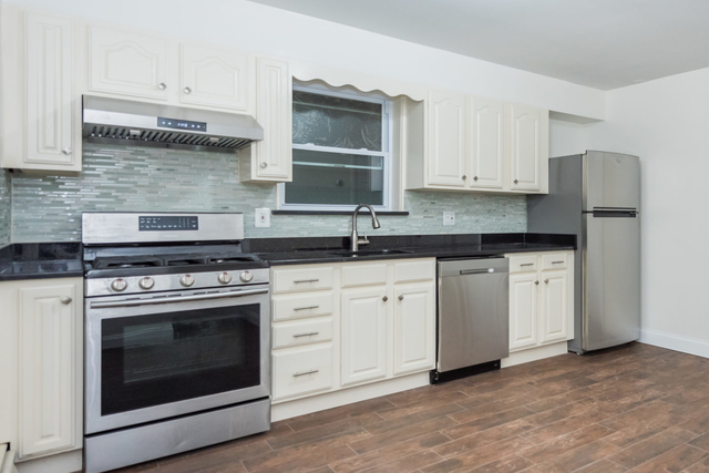 1 Bedroom, College Point Rental in NYC for $1,750 - Photo 1