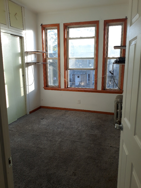 3 Bedrooms, Gravesend Rental in NYC for $2,000 - Photo 2