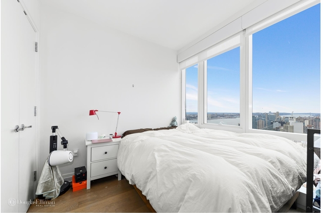Studio, Hell's Kitchen Rental in NYC for $4,800 - Photo 2
