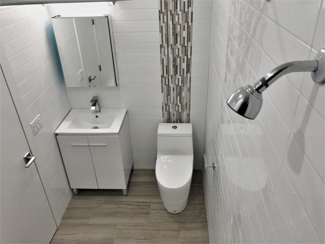 3 Bedrooms, Mott Haven Rental in NYC for $2,400 - Photo 2