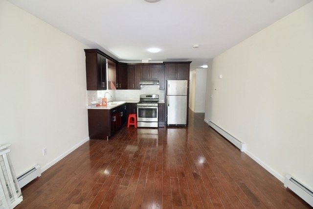 3 Bedrooms, Bay Ridge Rental in NYC for $2,650 - Photo 2