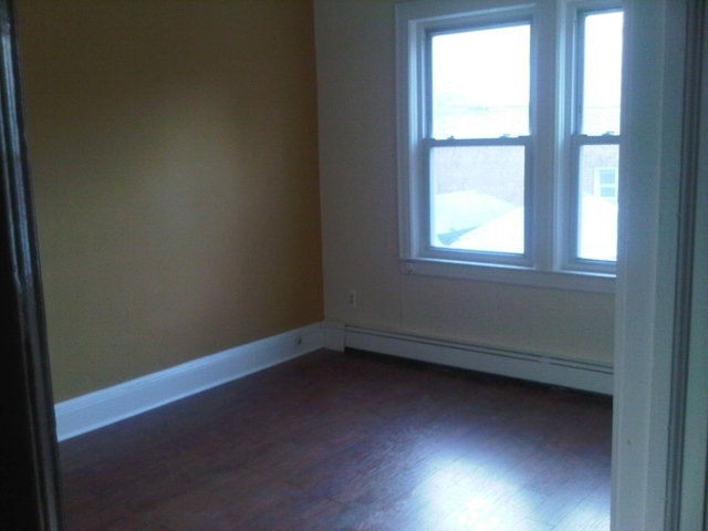 1 Bedroom, Ridgewood Rental in NYC for $1,650 - Photo 2