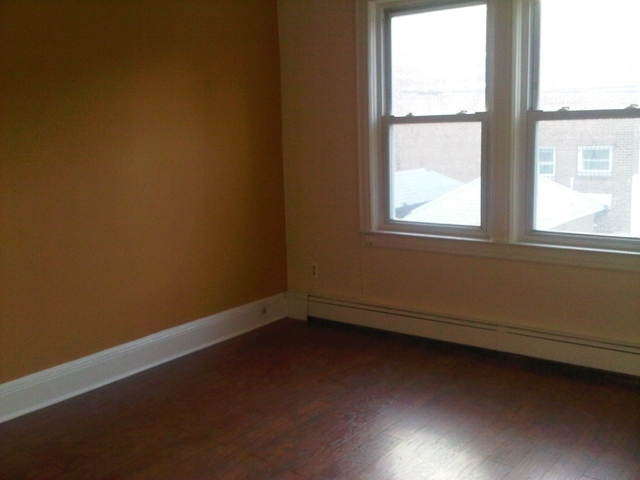 1 Bedroom, Ridgewood Rental in NYC for $1,650 - Photo 1
