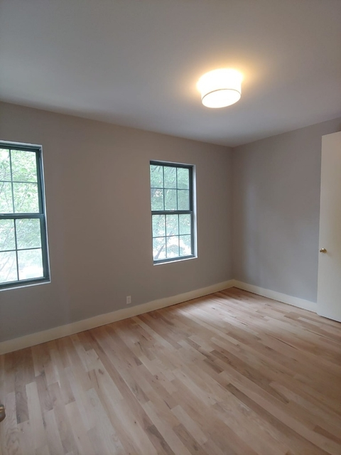 Room, Williamsburg Rental in NYC for $1,250 - Photo 2