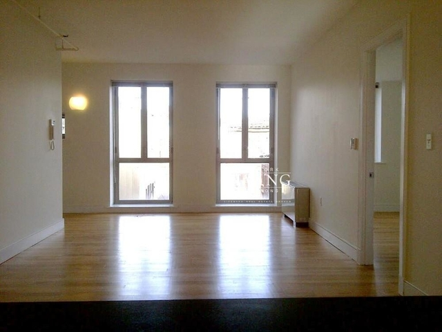 2 Bedrooms, Financial District Rental in NYC for $6,295 - Photo 2