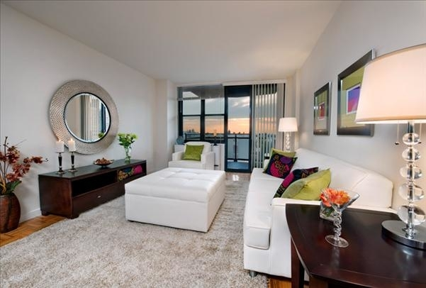 3 Bedrooms, Yorkville Rental in NYC for $6,709 - Photo 2