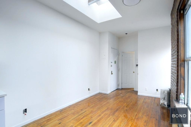 2 Bedrooms, Hell's Kitchen Rental in NYC for $3,550 - Photo 2