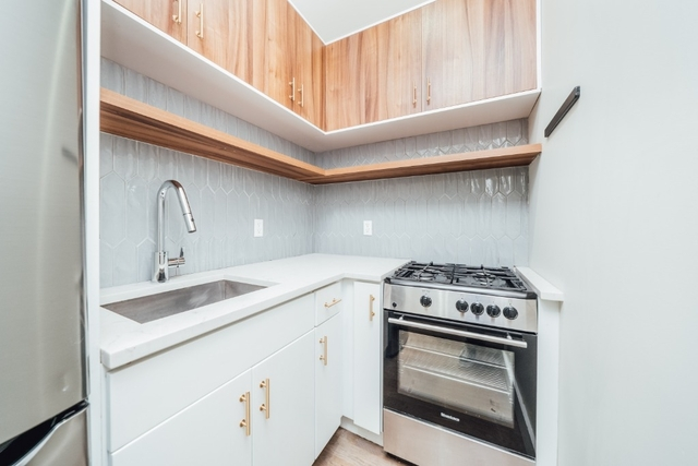 3 Bedrooms, Bedford-Stuyvesant Rental in NYC for $3,000 - Photo 2