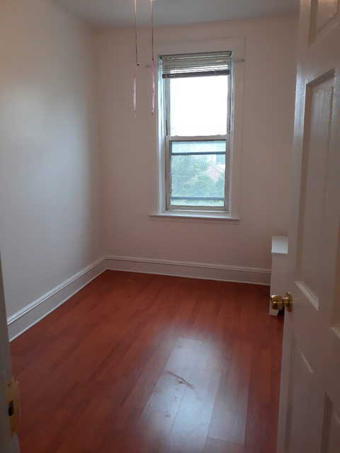 1 Bedroom, Gravesend Rental in NYC for $1,350 - Photo 2