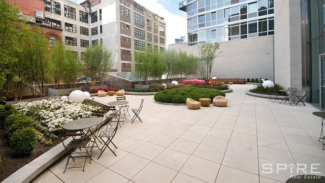 3 Bedrooms, Hell's Kitchen Rental in NYC for $4,981 - Photo 2