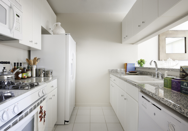 1 Bedroom, Battery Park City Rental in NYC for $5,230 - Photo 2