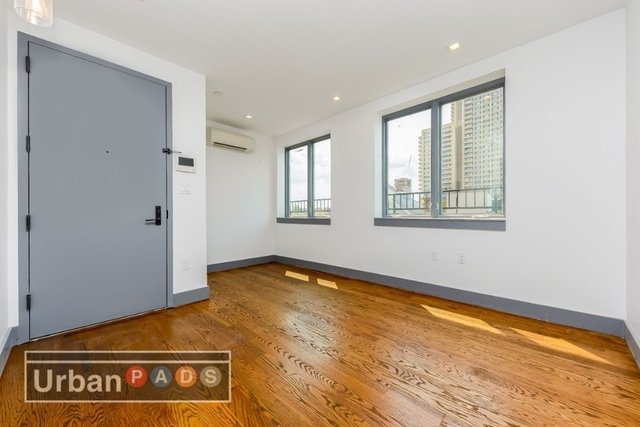 2 Bedrooms, Crown Heights Rental in NYC for $2,749 - Photo 2