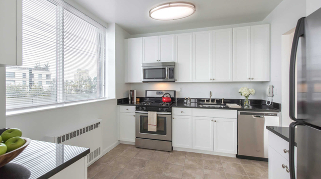 1 Bedroom, Lincoln Square Rental in NYC for $3,480 - Photo 1