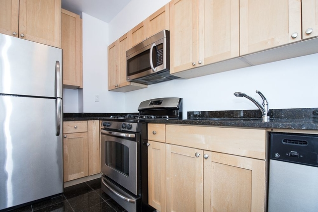 1 Bedroom, West Village Rental in NYC for $6,425 - Photo 2