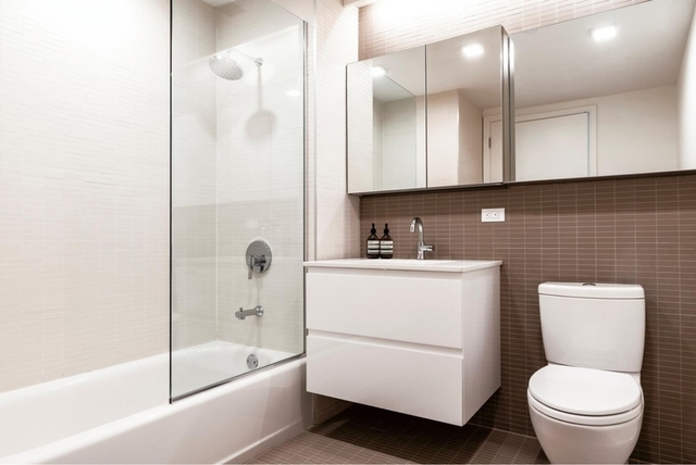 2 Bedrooms, Long Island City Rental in NYC for $3,830 - Photo 2