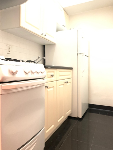Studio, Lenox Hill Rental in NYC for $2,170 - Photo 2