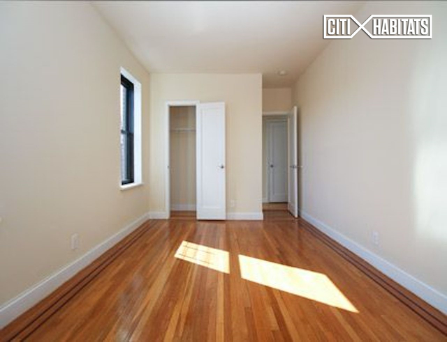 2 Bedrooms, Murray Hill, Queens Rental in NYC for $2,750 - Photo 1