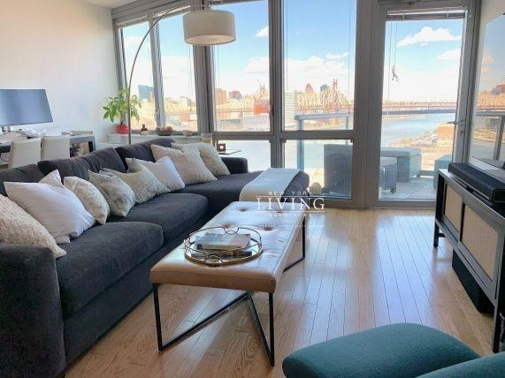 3 Bedrooms, Hunters Point Rental in NYC for $5,967 - Photo 1