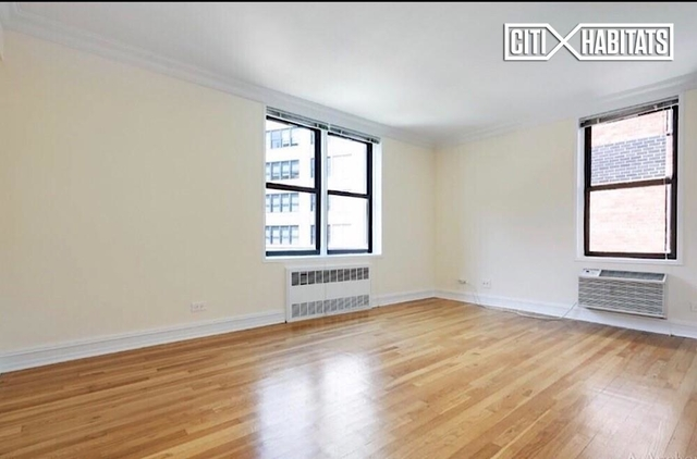 4 Bedrooms, Chelsea Rental in NYC for $5,800 - Photo 2