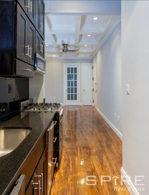 4 Bedrooms, East Village Rental in NYC for $7,329 - Photo 2