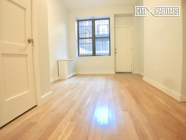 1 Bedroom, Rose Hill Rental in NYC for $2,300 - Photo 2