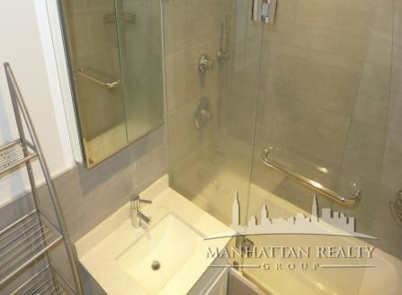 1 Bedroom, Turtle Bay Rental in NYC for $5,595 - Photo 2