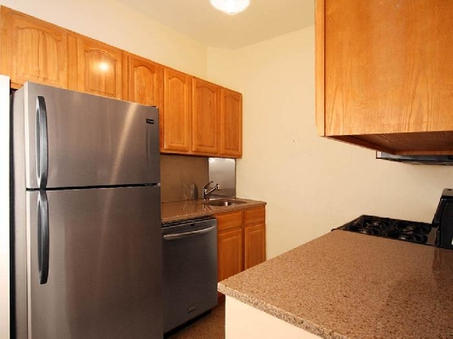 1 Bedroom, Turtle Bay Rental in NYC for $5,000 - Photo 1