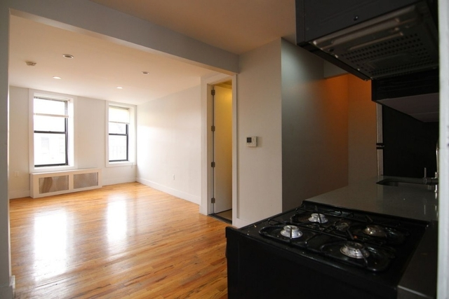 1 Bedroom, Bay Ridge Rental in NYC for $3,299 - Photo 2